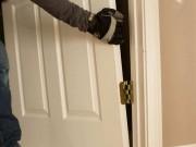 Как снять входную дверь