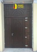 Изготовление и монтаж входной двери, выполненной из корабельной фанеры.