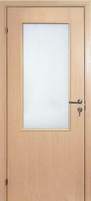 Деревянная дверь покрытая бумажно-слоистым пластиком